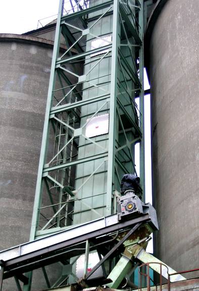[Translate to Chinese:] Explosion vent / panel EGV on elevator for grain